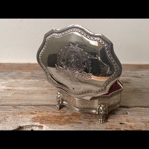 Vintage silver plated lion crest jewelry box